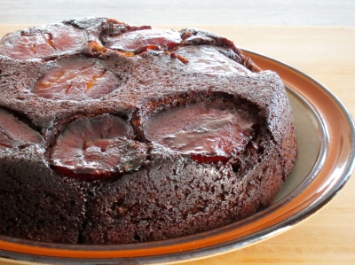 Upside-Down Apple-Molasses Cake