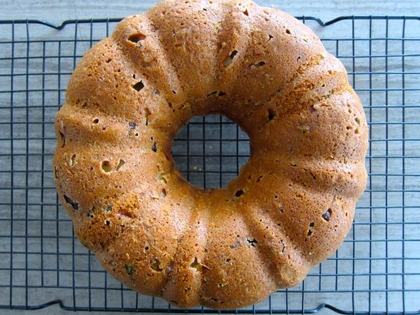Eliopitta / Ελιοπιττα (Olive and Mint Cake)