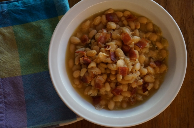 Beer-Baked White Beans with Bacon and Rosemary – Better with Lemon
